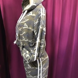 Pants - Plus Size Camo Sweatshirt & Joggers